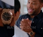 Anthony Anderson wears an Audemars Piguet Black Oak Automatic 15400 watch in season 1 episode 4 of Black-ish.