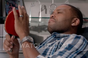 Anthony Anderson wearing an Audemars Piguet Royal Oak Offshore Chronograph 26170 watch in Black-ish, season 1 episode 5.