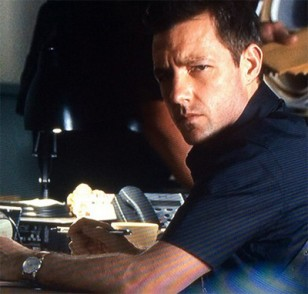 Edward Burns wears a Hamilton Jazzmaster watch in One Missed Call (2008).