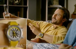 Saif Ali Khan wears a Jaeger-LeCoultre Master Compressor Extreme W-Alarm in Happy Ending.