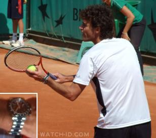 Kuerten wearing the Longines Admiral during an exhibition match with winners of