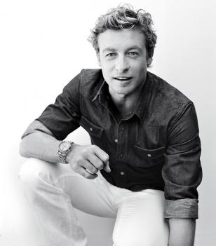 Simon Baker wears a Longines Saint-Imier Collection L2.752.5.72.7