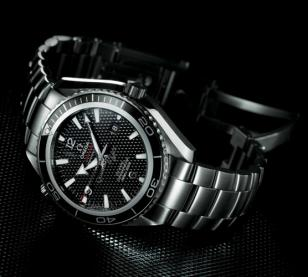 All in all a fine Limited Edition version of a worthy James Bond watch