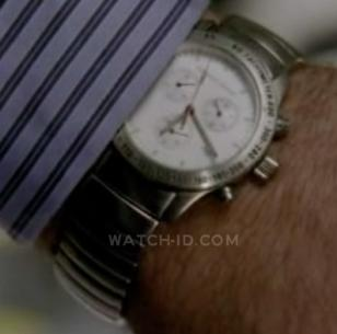 Matthew Fox wears a Porsche Design Dashboard 6600.41 in Episode 5 of Season 6 of