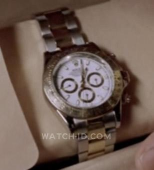 Jin opens the gift box containing the Rolex Oyster Perpetual Cosmograph Daytona