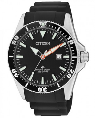 Citizen Eco Drive Divers 200M watch with black rubber strap