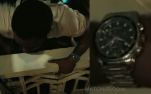 John David Washington wears a Hamilton Jazzmaster Seaview Chronograph watch in TENET.
