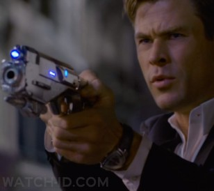 Chris Hemsworth wears a Hamilton Ventura Auto in Men in Black: International.