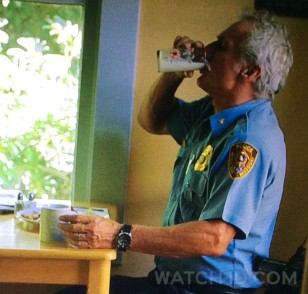 Matt Craven as Bill Vickery wears a Invicta Pro Diver 89260B watch in Sharp Objects.