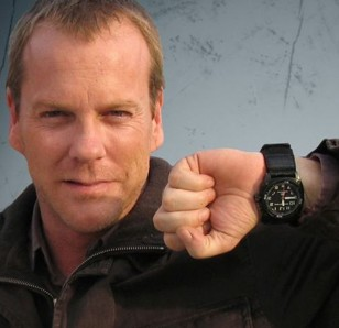 Kiefer Sutherland showing off the MTM Black Hawk watch with velcro strap that he wears in 24.