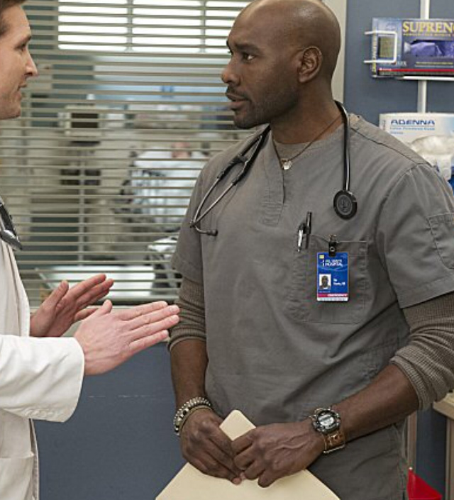 Morris Chestnut wears a Casio SGW300HB-3AV sports watch in season 5 and 6 of tv series Nurse Jackie.