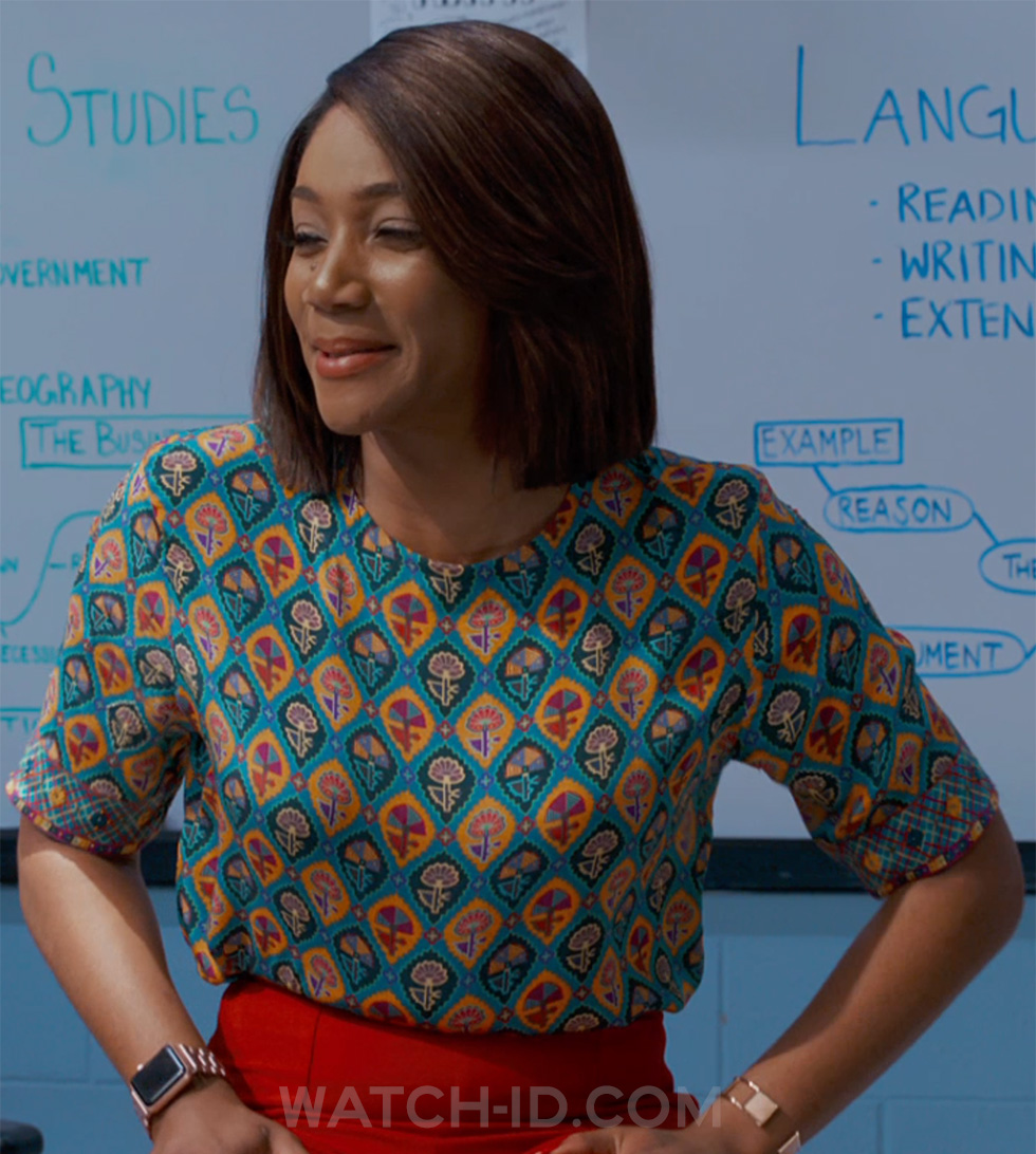 Tiffany Haddish wears an Apple Watch in the Night School.