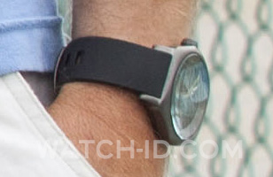 On this photo we can clearly see it's the gunmetal version of the Nixon Fader